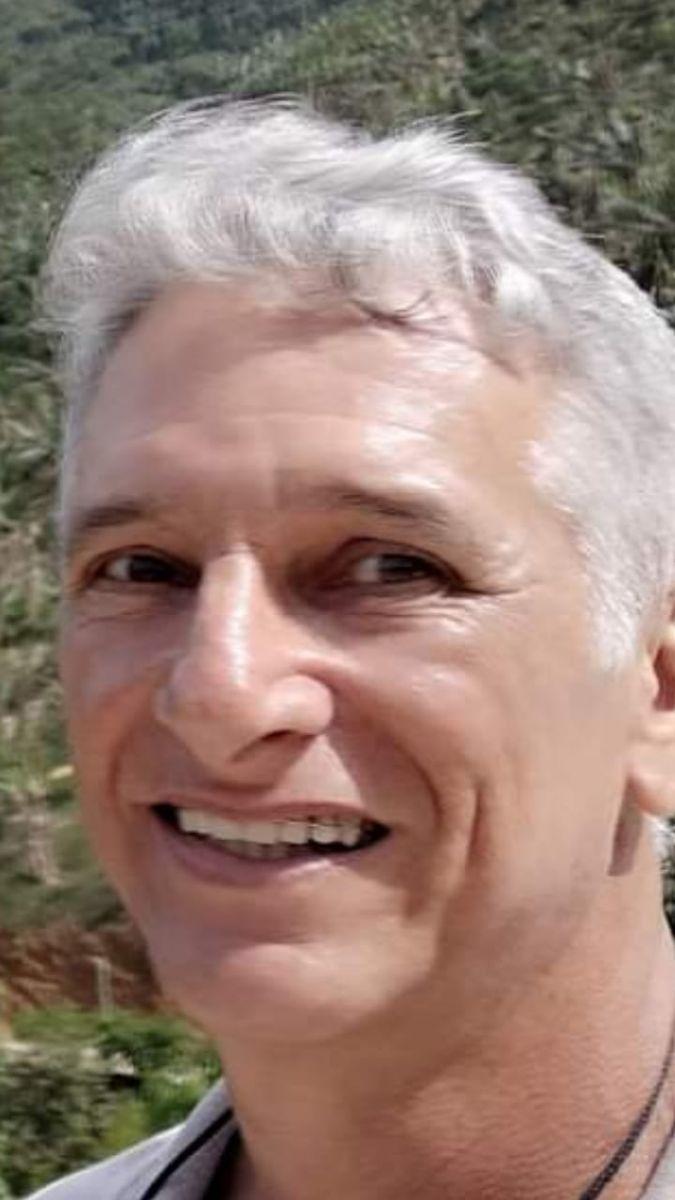 Foto: Professor de matemática Elimarios de 56 anos
