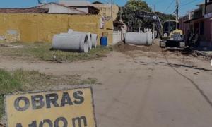MARATAÍZES: Pavimentação e drenagem da Avenida Vitória chega à Praia da Areia Preta