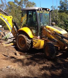 Prefeitura de Guarapari remove invasores de área ambiental