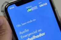 Bolsa Família começa a receber parcela auxílio de R$ 300 nesta quinta-feira