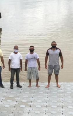 Pescadores ganham mais um pier flutuante no Porto da Barra