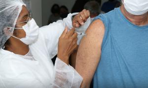 Marataízes começa a aplicar dose de reforço em pessoas acima de 70 anos e imunossuprimidos
