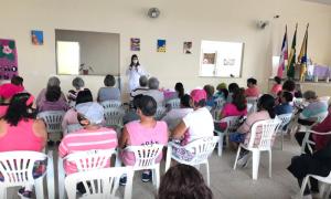 Dia D do Outubro Rosa no Centro de Convivência Renascer