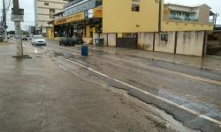 Moradores de Marataízes sofrem com transtornos causados pela chuva nesta segunda-feira(02)