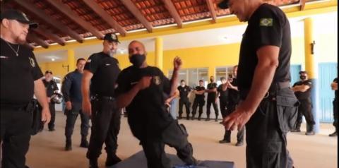 Guardas patrimoniais de Marataízes participam de treinamento com armas não letais