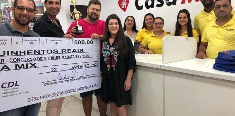 Prefeitura e CDL Marataízes entregam premiação do concurso de Vitrines de Natal 2019