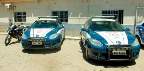 Prefeito entrega mais 04 veículos para a Guarda Municipal