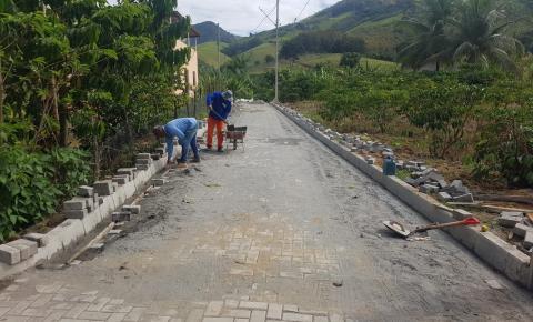 Comunidades rurais recebem obras de pavimentação