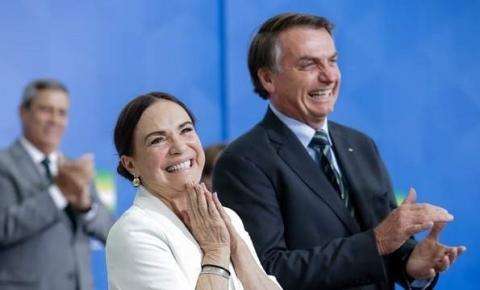 VÍDEO   Regina Duarte deixa cargo e Bolsonaro convida Mario Frias para Cultura