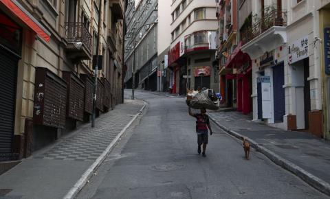 Taxa de isolamento em São Paulo chega a 51% no sábado