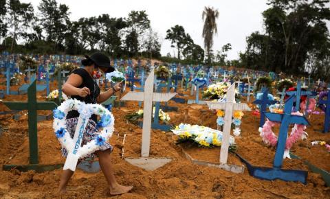 Brasil beira 30 mil mortes e OMS diz que não é o pico