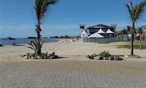 Ano Novo com praia limpa após festa da virada de ano em Itapemirim