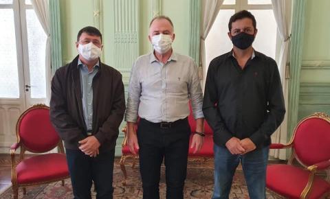 ITAPEMIRIM: Antônio Rocha recebe apoio do Governador e sua Vice