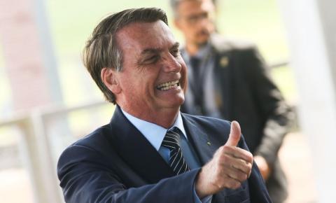 Pesquisa: Bolsonaro é reeleito em 2022 em todos os cenários eleitorais