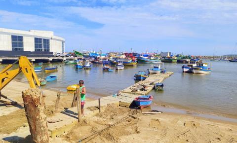 Píer Móvel é reposicionado para uso exclusivo de embarcações de pequeno porte em Itaipava