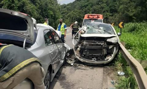 Herdeira da Rádio Cidade de Cachoeiro morre em acidente na BR-101 e outras cinco pessoas ficam feridas