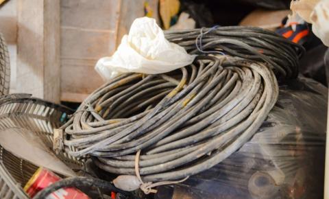 Homem é eletrocutado após tentar furtar fios de cobre em frente à Ufes
