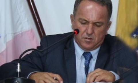 """Fanfarrão! Vereador Luiz proíbe que filmem sessões na Câmara de Marataízes: """"Está escondendo o que?"""""""