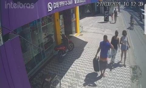 Veja vídeos do assalto a loja de celulares em Piúma