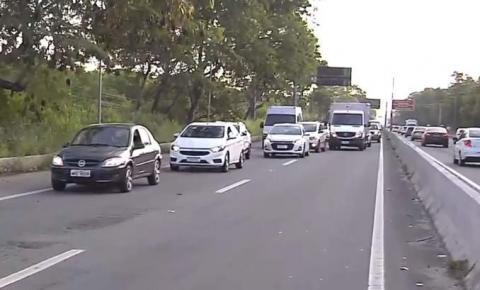 Homem morre ao ser atropelado em acidente envolvendo viatura da Polícia Civil em Vitória
