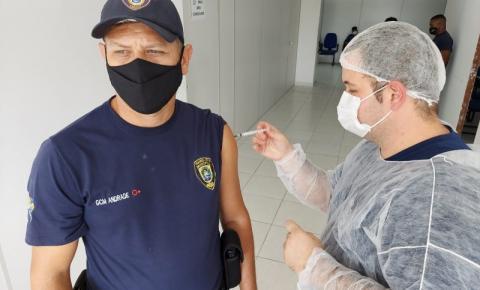 Prefeitura de Marataízes inicia vacinação da Guarda Civil Municipal contra a Covid-19