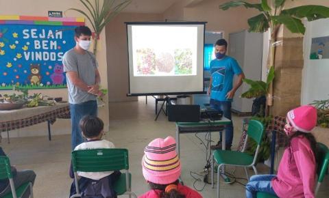 Agricultura de Anchieta leva informação do meio rural para as escolas
