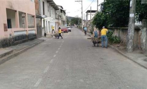 Prefeitura intensifica serviços de limpeza em 100% dos bairros de Itapemirim