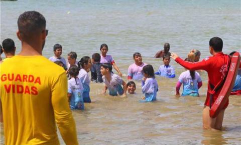 Prevenção de acidentes marítio é tema do Projeto Atunzinho em Itapemirim