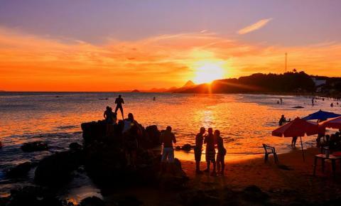 Anchieta: Luau de verão em Iriri e na Praia Central no fim de semana