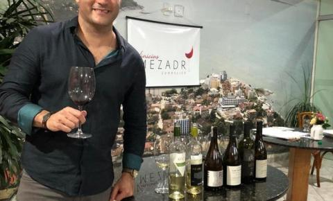 Anchietense entre os finalistas do melhor sommelier de vinhos do Brasil; Ele participa de evento em Portugal essa semana