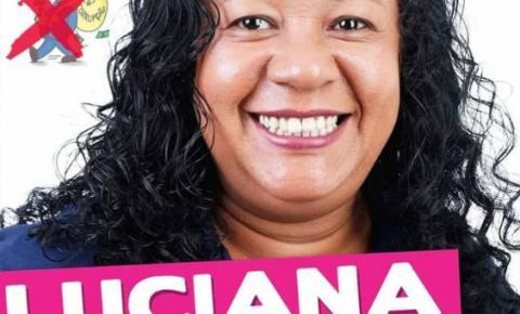 Luciana Maximo é pré-candidata a vereadora de Piúma e defende mandato coletivo