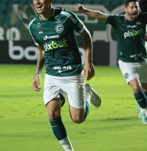 Goiás supera CSA e assume 3ª posição da Série B